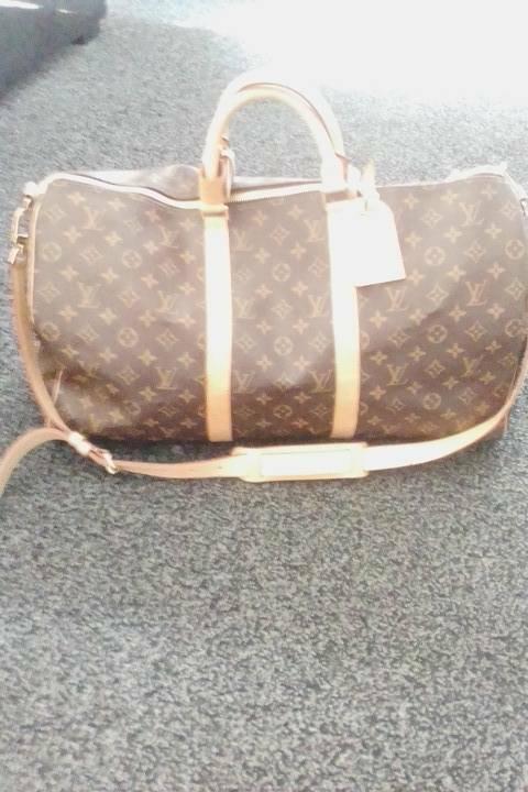 440ed311156a Louis Vuitton travel bag 100% genuine.