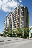 2 BR Beautiful Spacious Condo with Den-DownTown Kitchener AAA+++