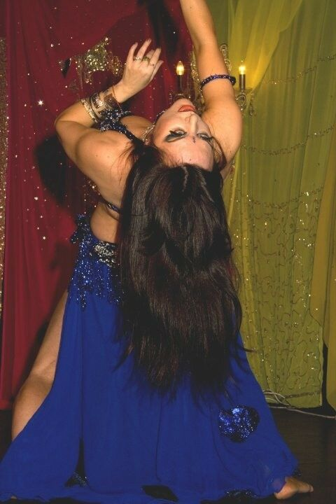 Belly Dancer, Professional bellydance, bollywood dance, snake experience, classes and workshops