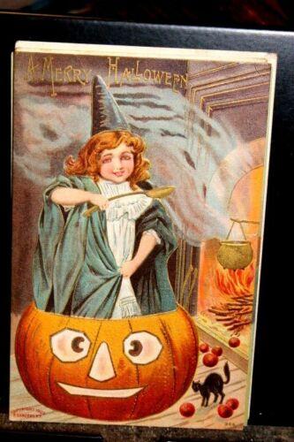 #H45,Sanders Pub,Halloween, Girl Standing in JOL Circa 1910