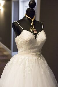 Wedding Dress Alterations Find Or Advertise Services In Toronto