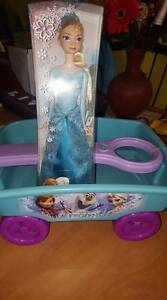 Frozen doll and wagon new