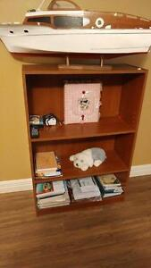 2 Shelf bookcase/shelving unit