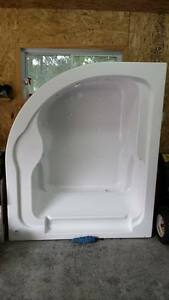 Whirlpool Therapeutic tub for sale