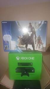Neuf PS4 Limited edition  + xbox one + kinect + 12 jeux + 4 mane