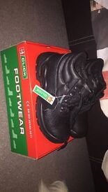 Steel toe capped boots size 3