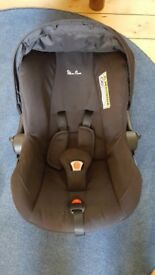 Silver Cross Ventura Plus Car Seat / Infant Carrier in Black