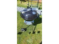 Kettle BBQ complete with cover and utensils