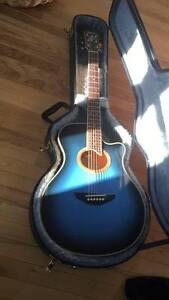 Guitare Yamaha APX 7