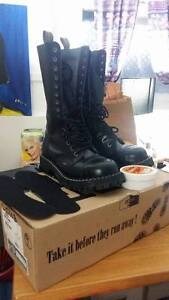 Bottes Steel 15 trous pointures 10 homme Made in UK