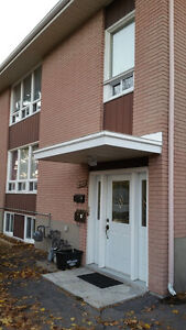 3 Bedroom - Upper Duplex -