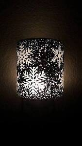 Scentsy's Falling Snowflakes warmer