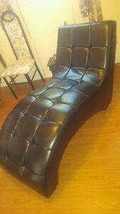 brand new leather chaise worth over 500 new