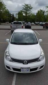 ***2009 Nissan Versa SL Hatchback --- FOR SALE***