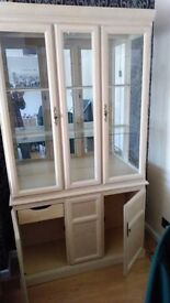 Antique Style Display Cabinet with Lights