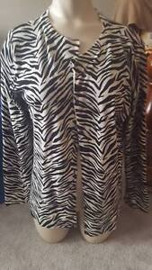 Ladies size Medium Clothing Cambridge Kitchener Area image 4