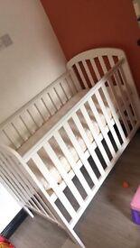 Obaby Cot & mamas and papas mattress