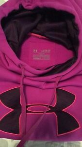 Womes XS under armour sweater