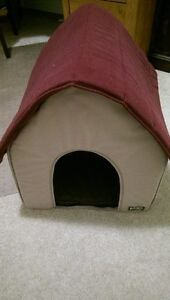 Pet House and Kitty Scratch Pole