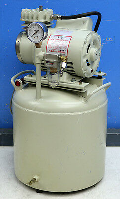 Yaezaki Kuatsu Co. Ltd. Cpr-14 Air Compressor With Tank