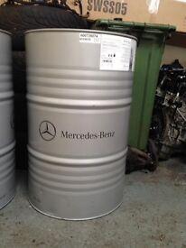 Empty oil barrel / oil drum
