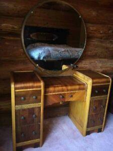 Antique Vanity Dresser with Round Mirror