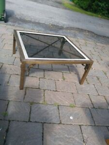 SQUARE BRASS COFFEE TABLE // UNE TABLE A CAFE EN BRASS