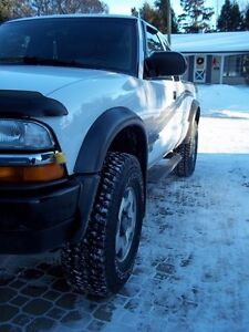 2002 Chevrolet S-10 ZR2 Pickup Truck