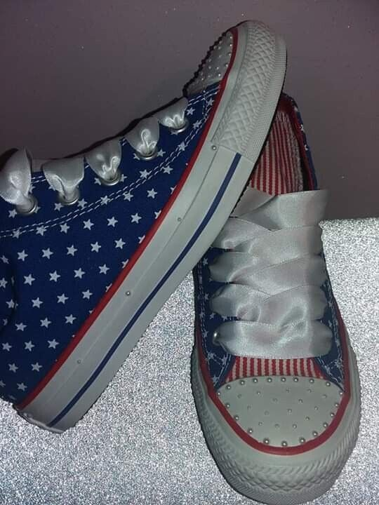 539ac5a0f0818d Converse hightop trainers size 3 1 2