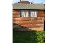 Shed 8 X 6 ft no rot need repaint £80 ono b on Avon