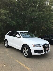 2010 Audi Q5 Premium with platinum warranty