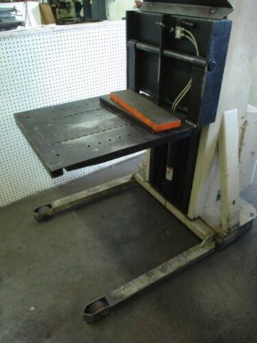 Crown Model 20MT Battery Powered Die Lift