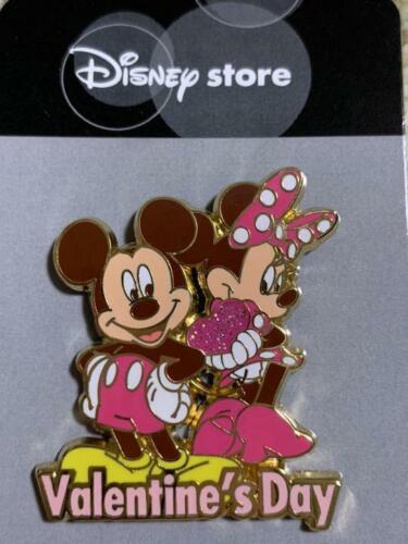 JDS Japan Pin Tokyo Disney store Limited Mickey&Minnie Valentine