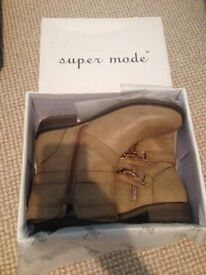 Brand new ankle boots size 5