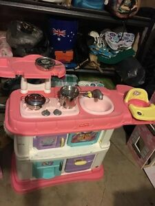 Girls play kitchen and doll house Jamisontown Penrith Area Preview