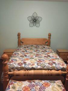 Solid Maple Queen Bed