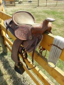Pony saddle