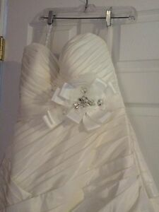 Size 16 Ella Rosa wedding dress