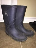 Rain boots boys size 5 and 6 and girls size 5