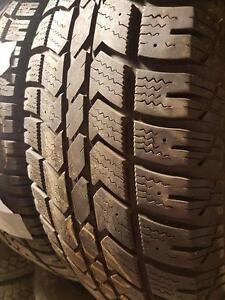 4 pneus d'hiver 235/70/16 Artic Claw Winter XSI