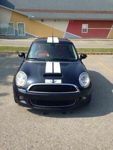 Mini Cooper S (Turbocharged) 2009 with low mileage