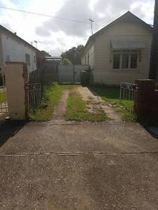 Driveway and storage space available. 10 min walk from Parra CBD Parramatta Parramatta Area Preview