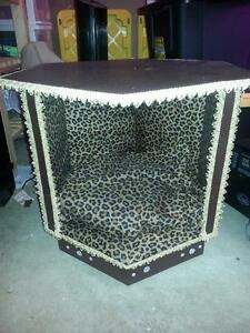 HAND MADE PET TABLE BED.
