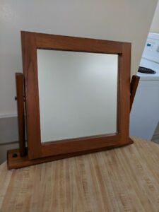 Rotating Table Mirror