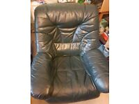 Leather armchair in very good condition. Bargain!