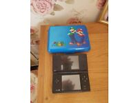 BLACK NINTENDO DSI CONSOLE WITH SUPER MARIO CASE