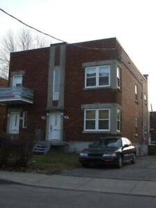 Lachine 5 1/2 upper duplex available July 1st