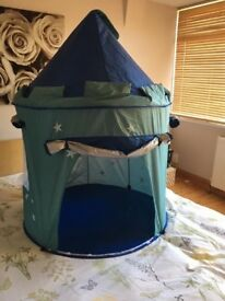 Castle tent is insulate inside