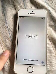 White iPhone 5 s