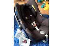 Maxi-cosi cabriofix car seat and baby carrier